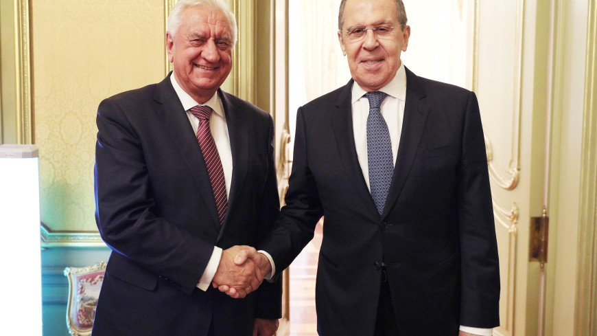 Лавров обсудил с Мясниковичем актуальные вопросы работы ЕАЭС