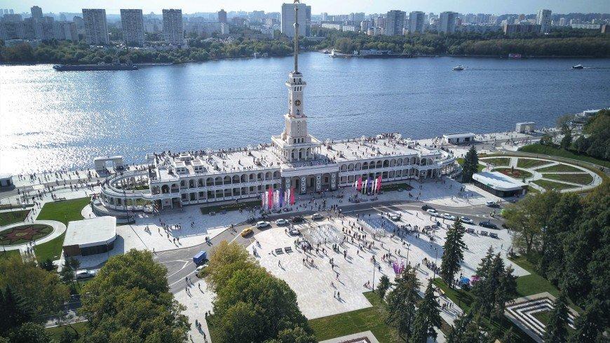 Посетители Северного речного вокзала в Москве оценили его реставрацию