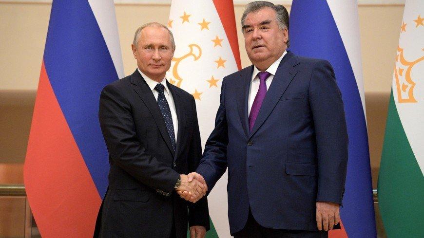 Путин поздравил главу Таджикистана Эмомали Рахмона с Днем независимости