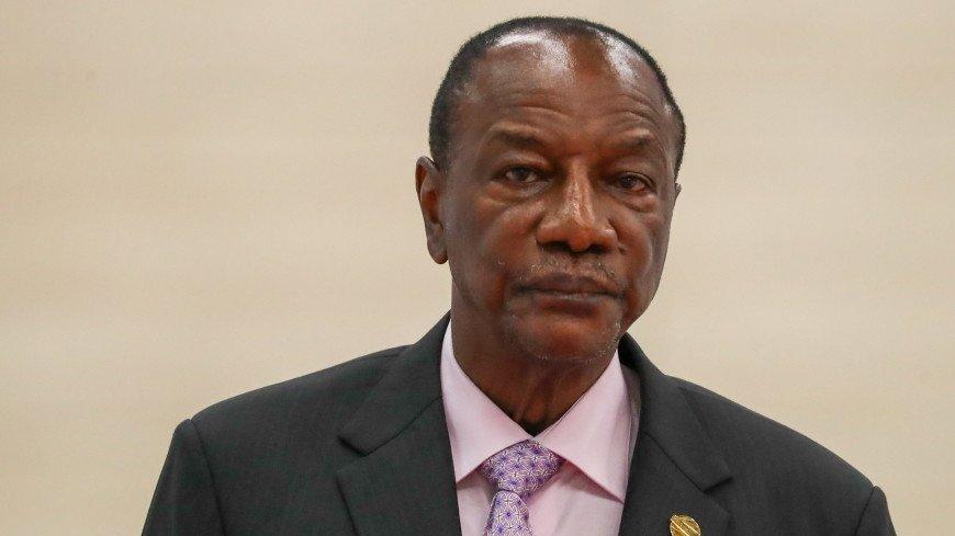 СМИ: Президент Гвинеи избил на улице министра труда за плохое отношение к работе