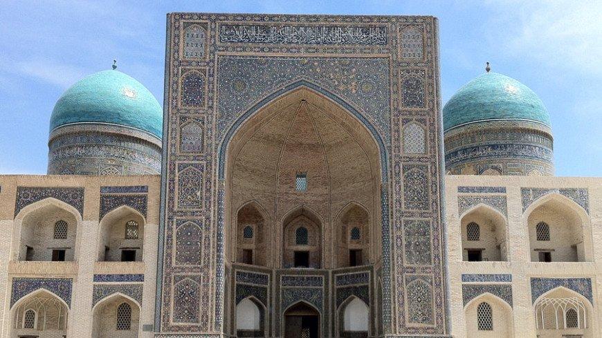 В Узбекистане с 1 октября вновь открывается въездной туризм