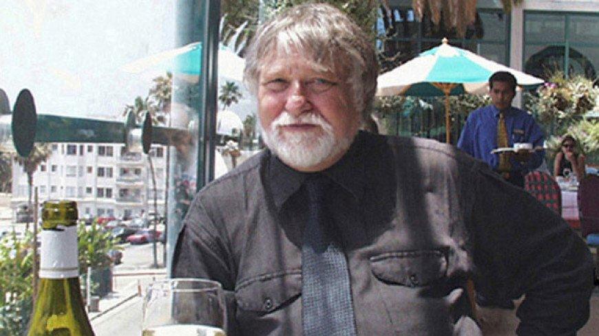 Умер создатель машины времени из фильма «Назад в будущее» Рон Кобб