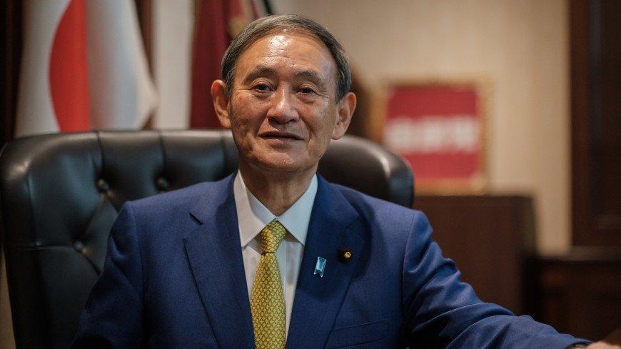 От простого рабочего до премьера: жизненный путь нового главы японского правительства