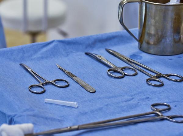 Новосибирские хирурги впервые провели протезирование сердца через небольшой надрез