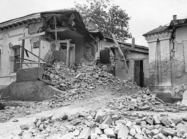 «Вырвался и взвился над городом исполинский купол света»: землетрясение, которое изменило Ташкент
