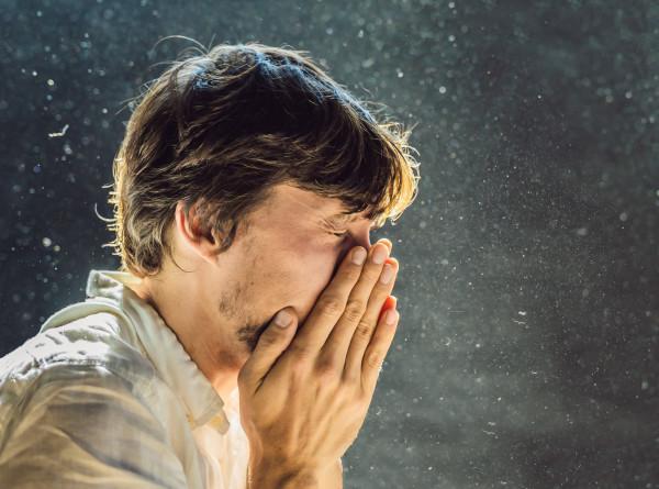 Кошмар аллергика: в Санкт-Петербурге с наступлением весны начались пылевые бури