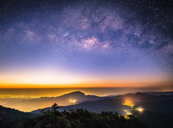 Астрофизики открыли новый участок Млечного Пути с раскаленными звездами