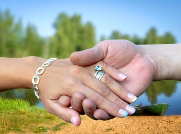 Китаянка на свадьбе сына узнала в невесте свою давно пропавшую дочку