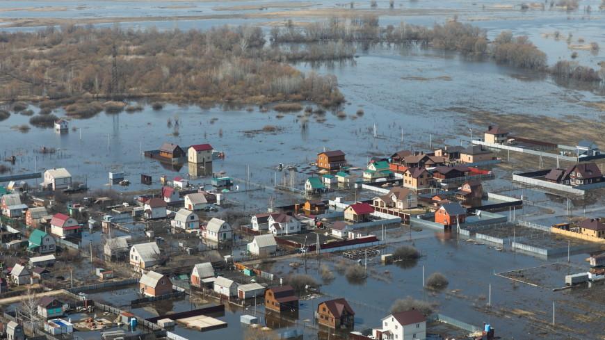Погода в СНГ: на востоке Казахстана затопило десятки домов, в Таджикистане потеплело до +30
