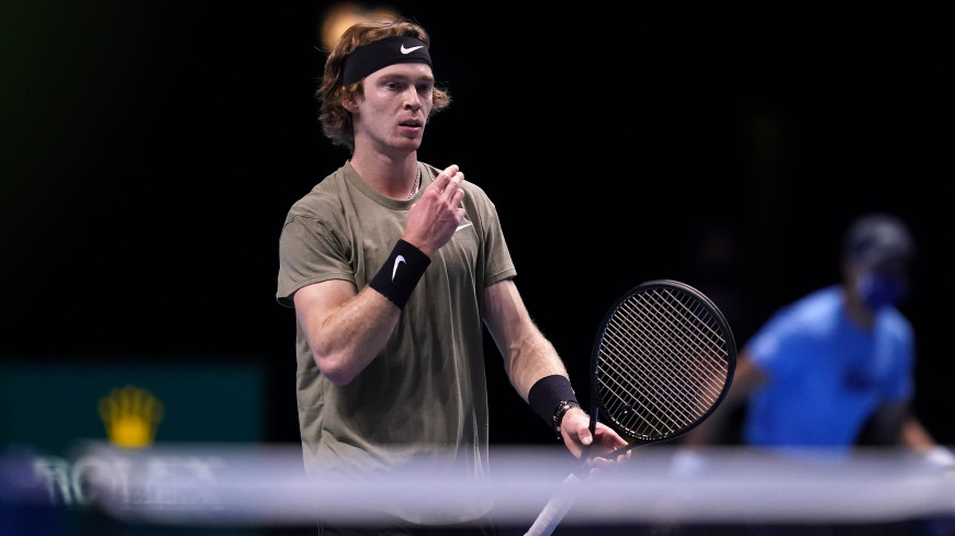 Рублев пробился в полуфинал теннисного турнира в Майами.