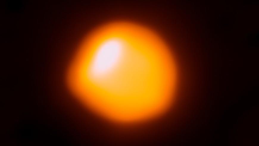 Близкая к Солнцу звезда может быть «фабрикой» темной материи