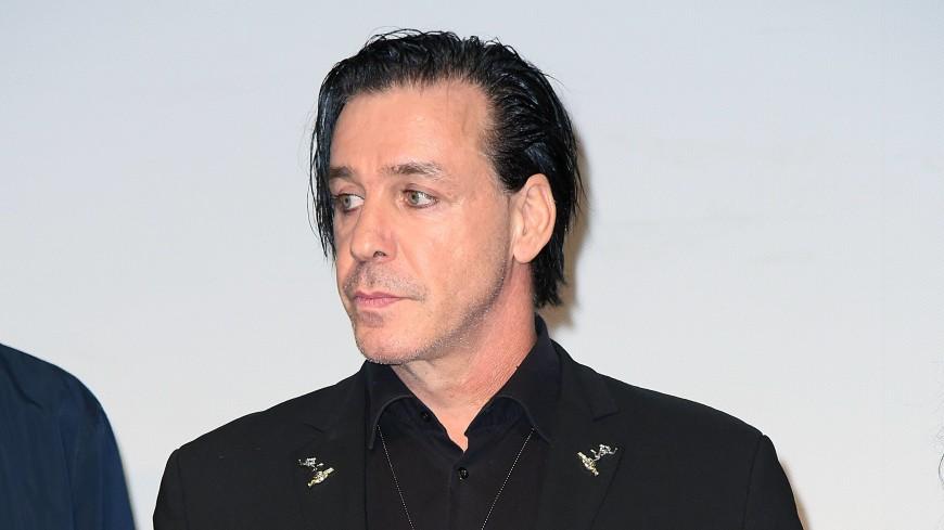Лидер Rammstein спел песню «Любимый город» на русском языке