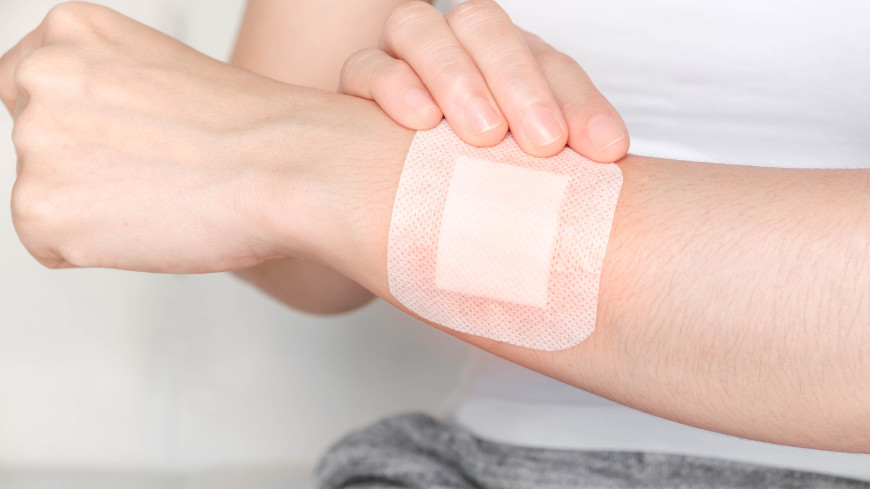 Ученые Японии и Австрии создали самозаряжающийся пластырь