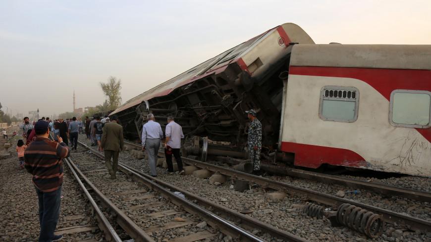 Число погибших при крушении поезда в Египте увеличилось до 23