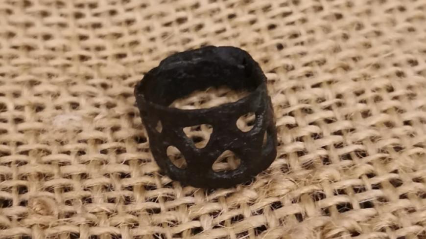 Пряслица, браслеты и керамика: в Москве нашли украшения и предметы времен становления города