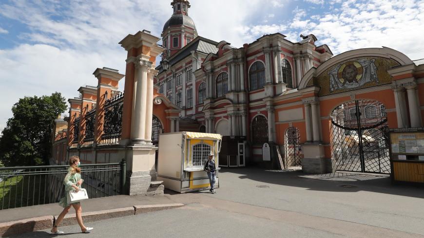 Подарок к юбилею: Александро-Невской лавре вернули престольный храм