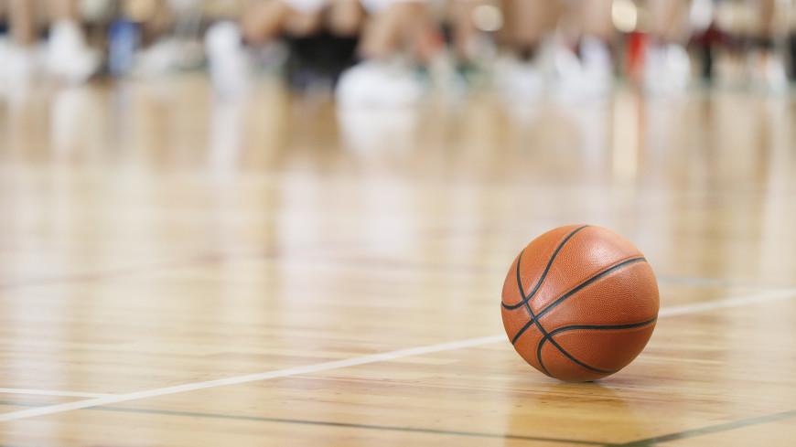 Спортдайджест: в смерти Марадоны обвинили врачей, в России «апгрейдили» баскетбол, игрок поймал мяч с вертолета
