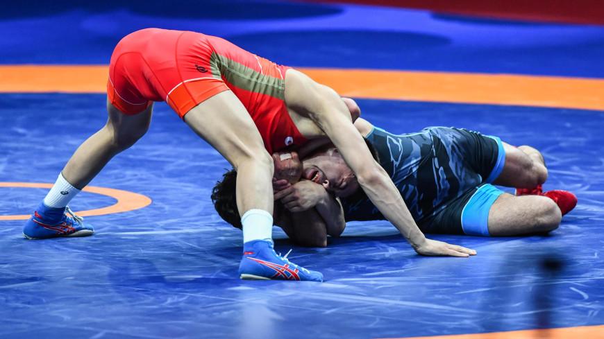 Российские борцы Найфонов и Магомедов стали чемпионами Европы