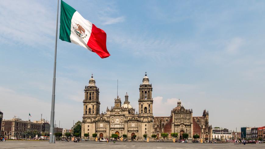 Президент Мексики: В стране против COVID-19 вакцинированы все пожилые люди