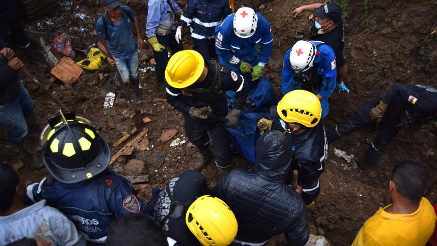 В Колумбии спасатели обнаружили тела 11 горняков