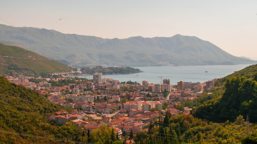 """Фото: Сергей Минеев (МТРК «Мир») """"«Мир 24»"""":http://mir24.tv/, адриатическое море, черногория, будва, боко-которская бухта, залив"""
