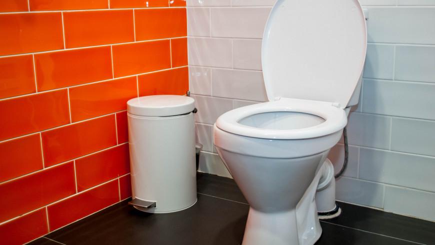"""Фото: Сергей Минеев (МТРК «Мир») """"«Мир 24»"""":http://mir24.tv/, общественный туалет, туалет, раковина, больница"""