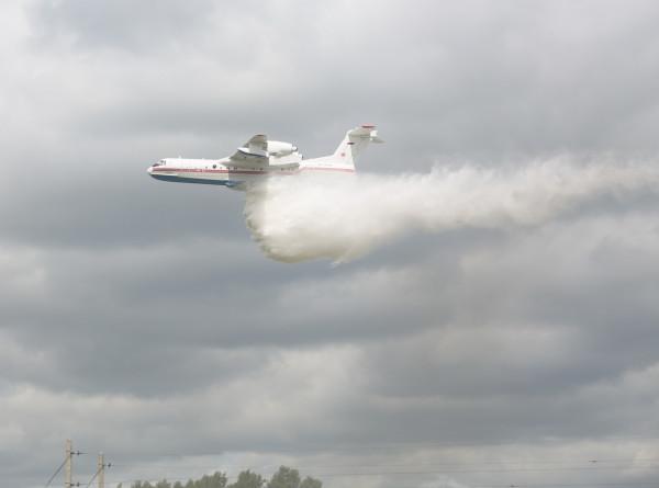 Дополнительные силы для тушения лесных пожаров в Якутии направило Минобороны России