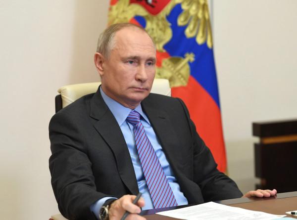 Путин поздравил Пашиняна с назначением на должность премьер-министра Армении
