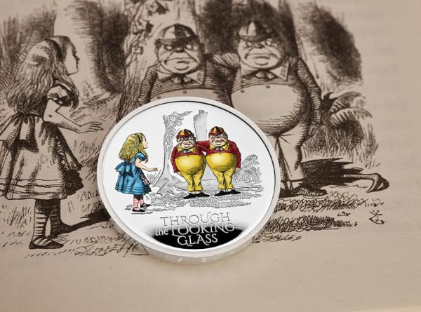 Коллекционные монеты с героями «Алисы в Зазеркалье» выпустили в Британии