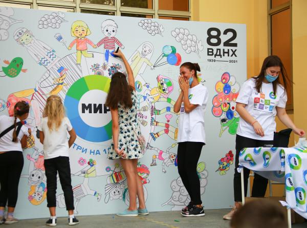 День рождения главной выставки страны: «МИР» поздравил ВДНХ с 82-летим (ФОТО)