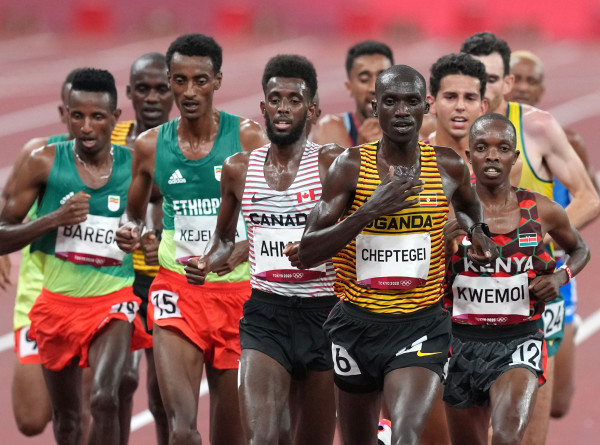 Спортдайджест: в Кении болеют за команду беженцев, технологии позволяют особенным детям смотреть ОИ, Шевченко больше не у руля сборной Украины