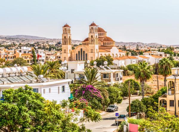 Новые ограничения для невакцинированных жителей и туристов ввели власти Кипра