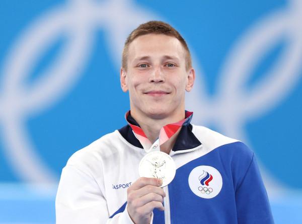 Гимнаст Аблязин стал серебряным призером Олимпиады в опорном прыжке