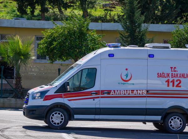 Автобус с российскими туристами перевернулся в Турции: погибли четыре человека