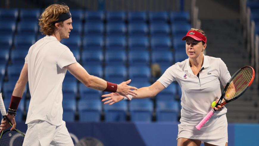 Теннисисты Павлюченкова и Рублев завоевали золото Олимпиады