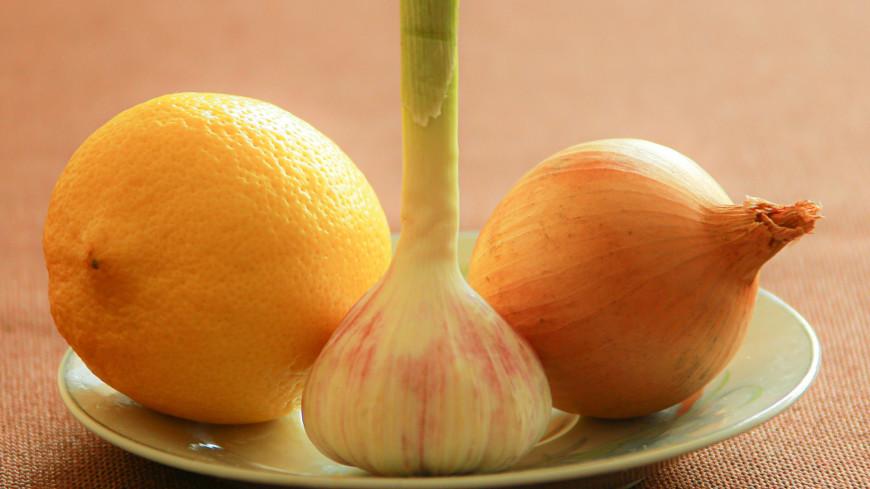 Иммунолог рассказала об эффективности лимона и чеснока для защиты иммунитета