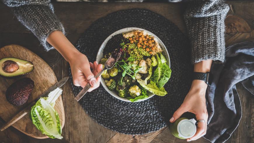 Назван интервал между едой для здоровья поджелудочной железы