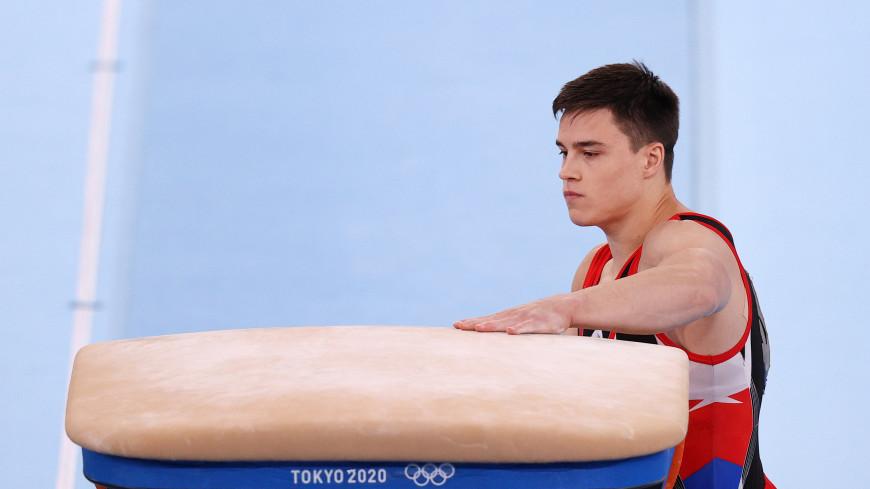 Гимнаст Нагорный завоевал бронзу в упражнениях на перекладине на Играх в Токио