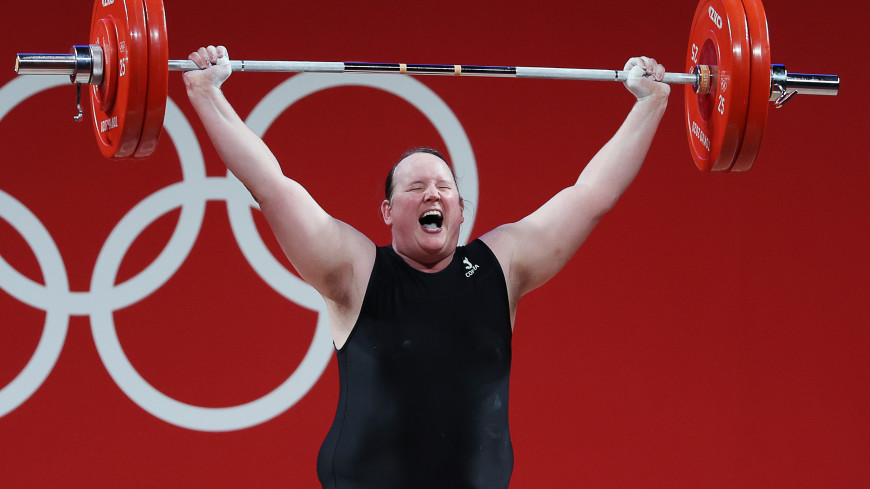 Спортдайджест: трансгендерная спортсменка объяснила поражение, 62-летний олимпиец собирается на ОИ в Париже, в Казахстане развивается скейтбординг
