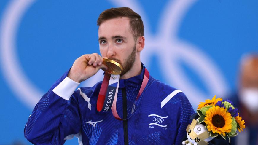 Спортдайджест: чемпиону ОИ запретили жениться, сибиряк отбуксировал 65-тонный самолет, мастер велотриала придумал новый вид спорта
