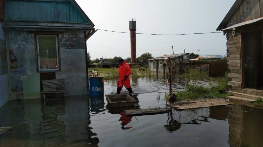 Гребень паводка: два района Хабаровска ушли под воду
