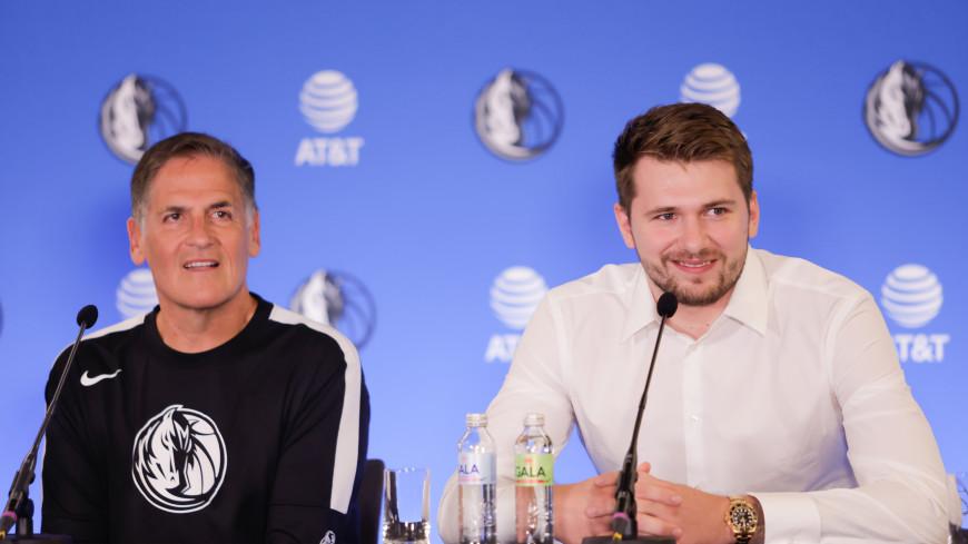 Спортдайджест: в Токио убирают символы Игр, договор с клубом НБА на $207 млн, футгольф рвется на Олимпиаду