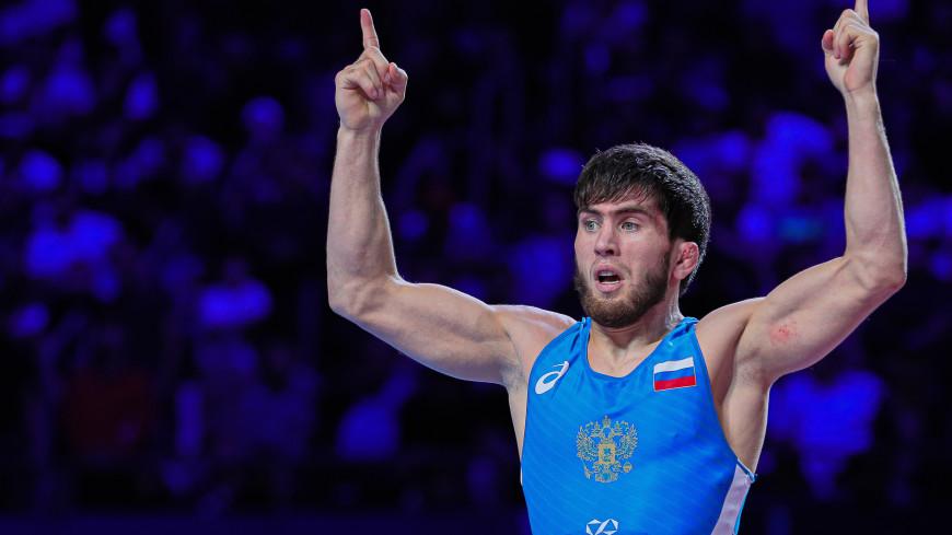 Российский борец Заур Угуев пробился в четвертьфинал Олимпиады в Токио