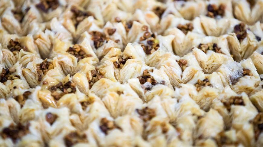 Молдавские плацинды, белорусская «Груша по-радзивилловски», узбекский чак-чак и другие сладости народов СНГ. РЕЦЕПТЫ