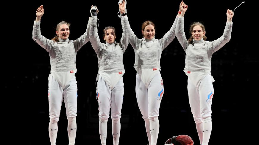 Усманов премирует саблистку Шевелеву, которая осталась без олимпийской медали
