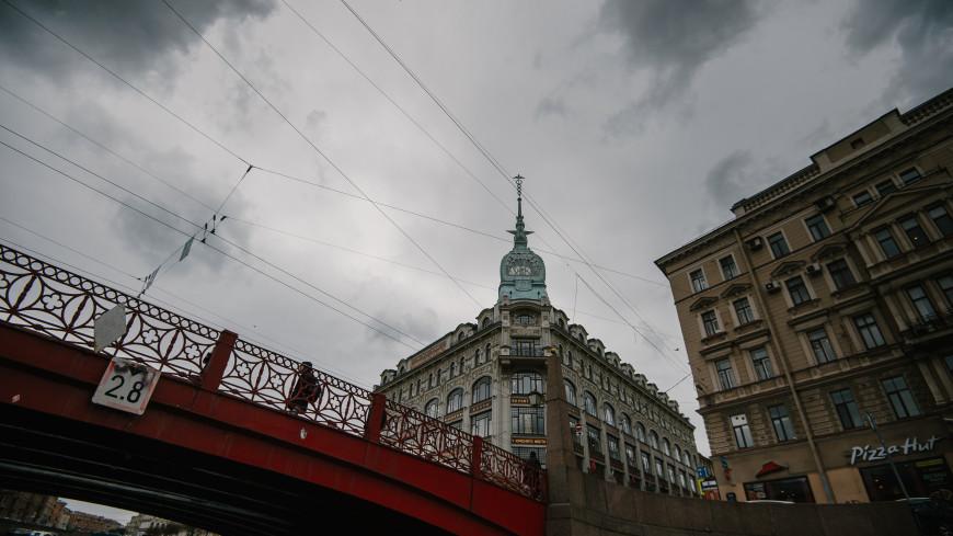 Около 100 аварийных бригад готовы устранять последствия ливня в Санкт-Петербурге