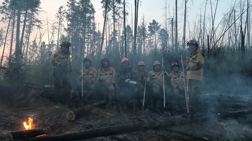 Борьба с огнем: более 200 домов в якутском селе Бясь-Кюель удалось спасти от пожара