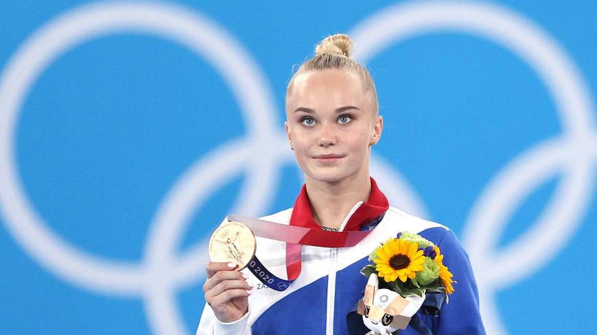 Гимнастка Мельникова стала бронзовым призером Олимпиады в вольных упражнениях