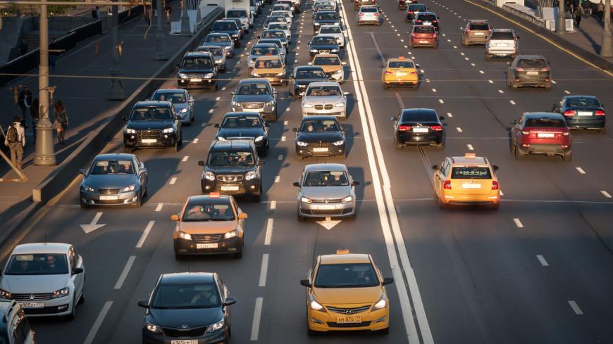 Эксперты указали на частые ошибки при вождении машины на механике