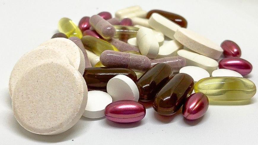 таблетки, витамины, капсула, болезнь, боль, болеть, здоровье, таблетка, лекарство, аптека, аптечка, больница, фармацевт, врач, препарат, плацебо, рыбий жир, обезболивающее, доктор, лечение, лечить,